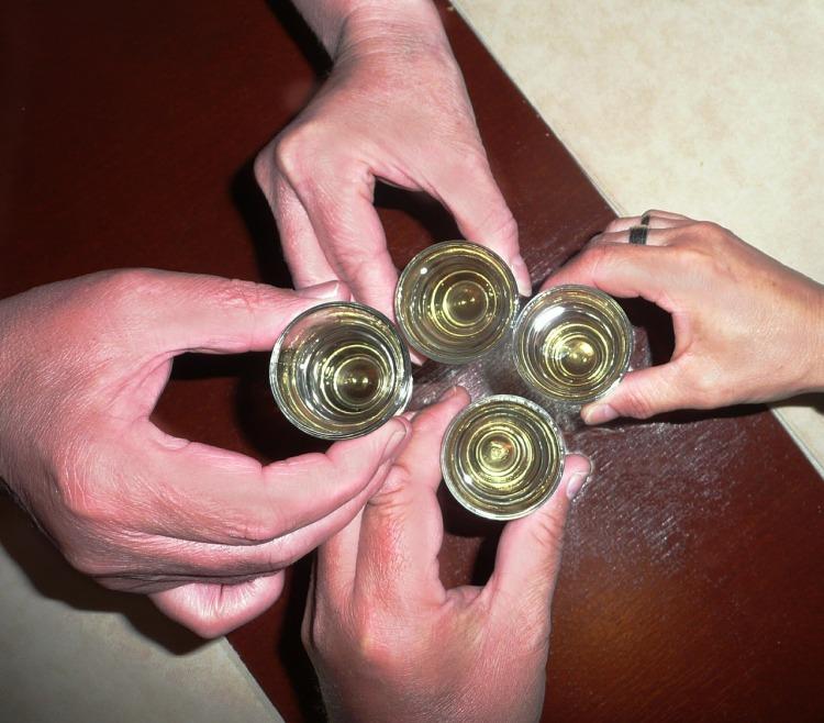 alcohol-408446_1280